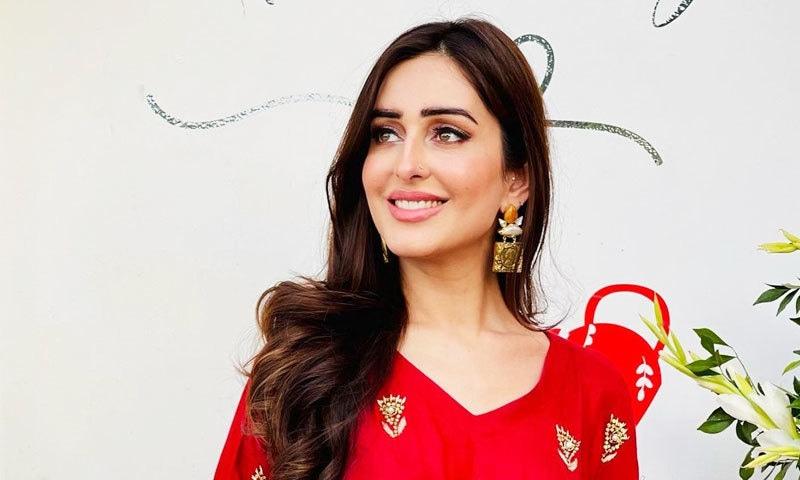 کرائم رپورٹنگ کرتے کرتے اداکارہ بن گئی، سدرہ نیازی