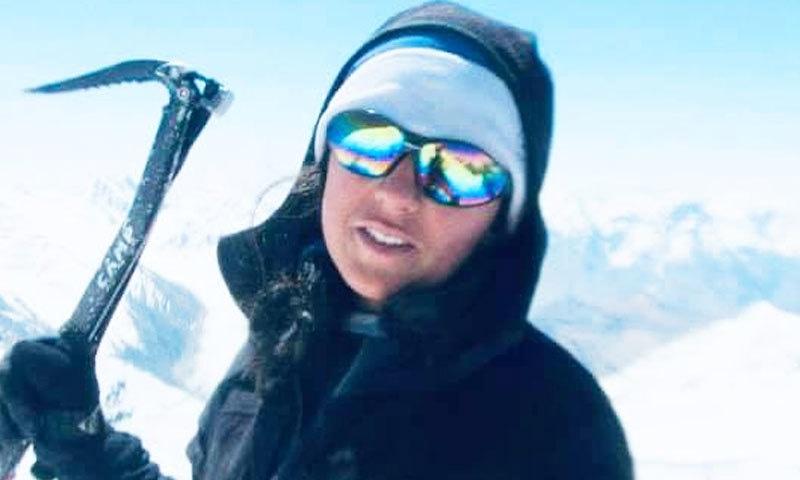 ثمینہ احمد کے ہمراہ دیگر 5 کوہ پیما بھی مہم کا حصہ ہیں—فائل فوٹو: فیس بک