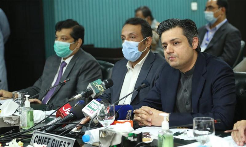 حماد اظہر نے قومی  توانائی پالیسی کو تاریخی قرار دیا—فائل/فوٹو: ٹوئٹر