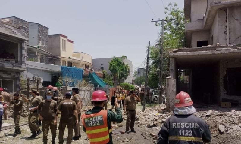 لاہور: جوہر ٹاؤن میں دھماکا، پولیس اہلکار سمیت 3 افراد جاں بحق