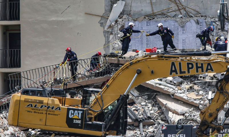 Five dead, 156 still missing in Florida building collapse as searchers race  against time - World - DAWN.COM