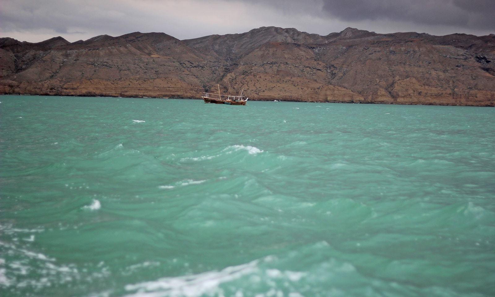 مکران کے ساحل پر غیر ملکی ٹرالرز پر پابندی کا مطالبہ