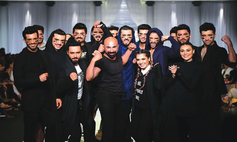 HSY with his models at Hum Showcase '19
