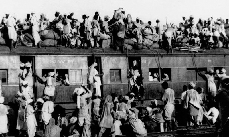 Sept 19, 1947: Muslim refugees sit on the roof of an overcrowded coach railway train near New Delhi in trying to flee India. — AP/File