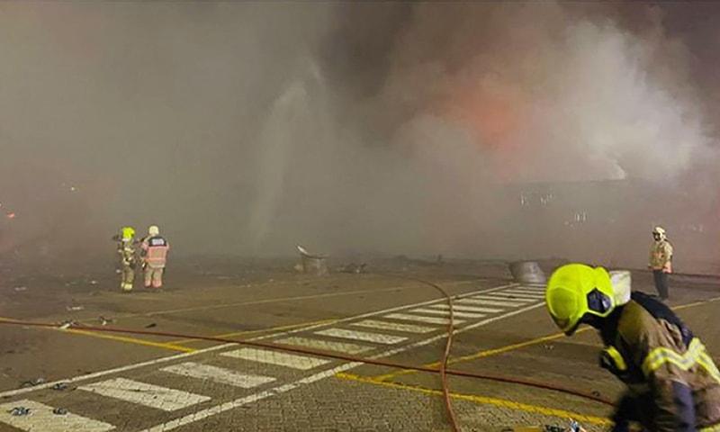 دبئی بندرگاہ پر زوردار دھماکے کے بعد آتشزدگی
