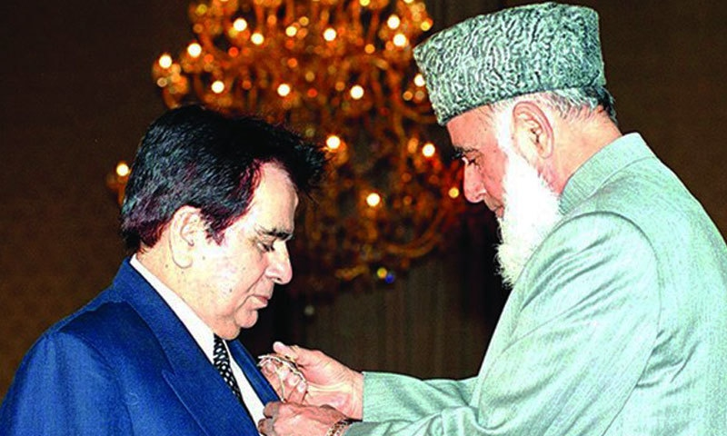 پاکستان نے دلیپ کمار کو سب سے بڑا سول ایوارڈ 'نشانِ امتیاز' عطا کیا