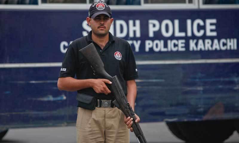 کراچی: ڈکیتی کے بعد فرار ہونے والا ملزم پولیس کی فائرنگ سے ہلاک