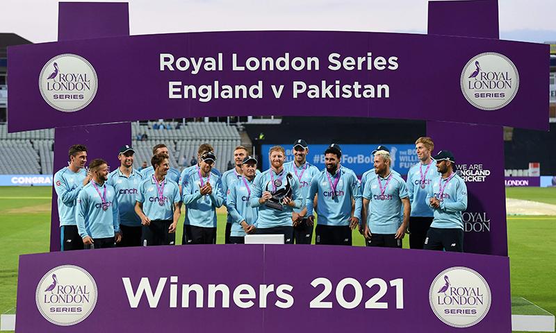 پاکستان کو تیسرے ون ڈے میں 3 وکٹوں سے شکست، انگلینڈ کا کلین سوئپ