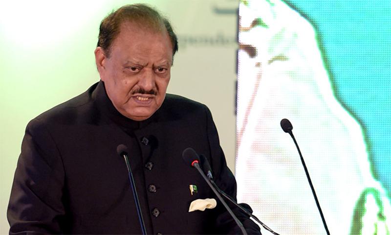 ممنون حسین 30 جولائی 2013 کو پاکستان کے 12 ویں صدر منتخب ہوئے تھے— فائل فوٹو: اے ایف پی