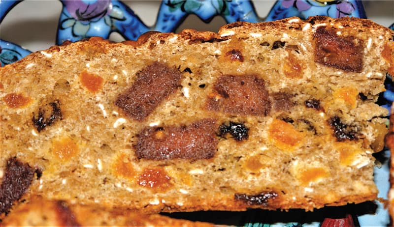 Oaty fruit loaf
