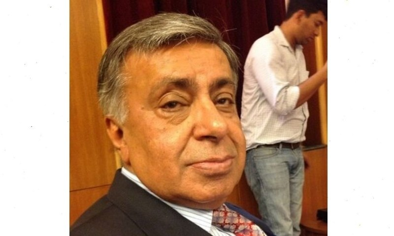 Arif Nizami had suffered from a heart attack around three weeks ago and was admitted to a private hospital in Lahore, according to his nephew. — Photo courtesy Arif Nizami's account