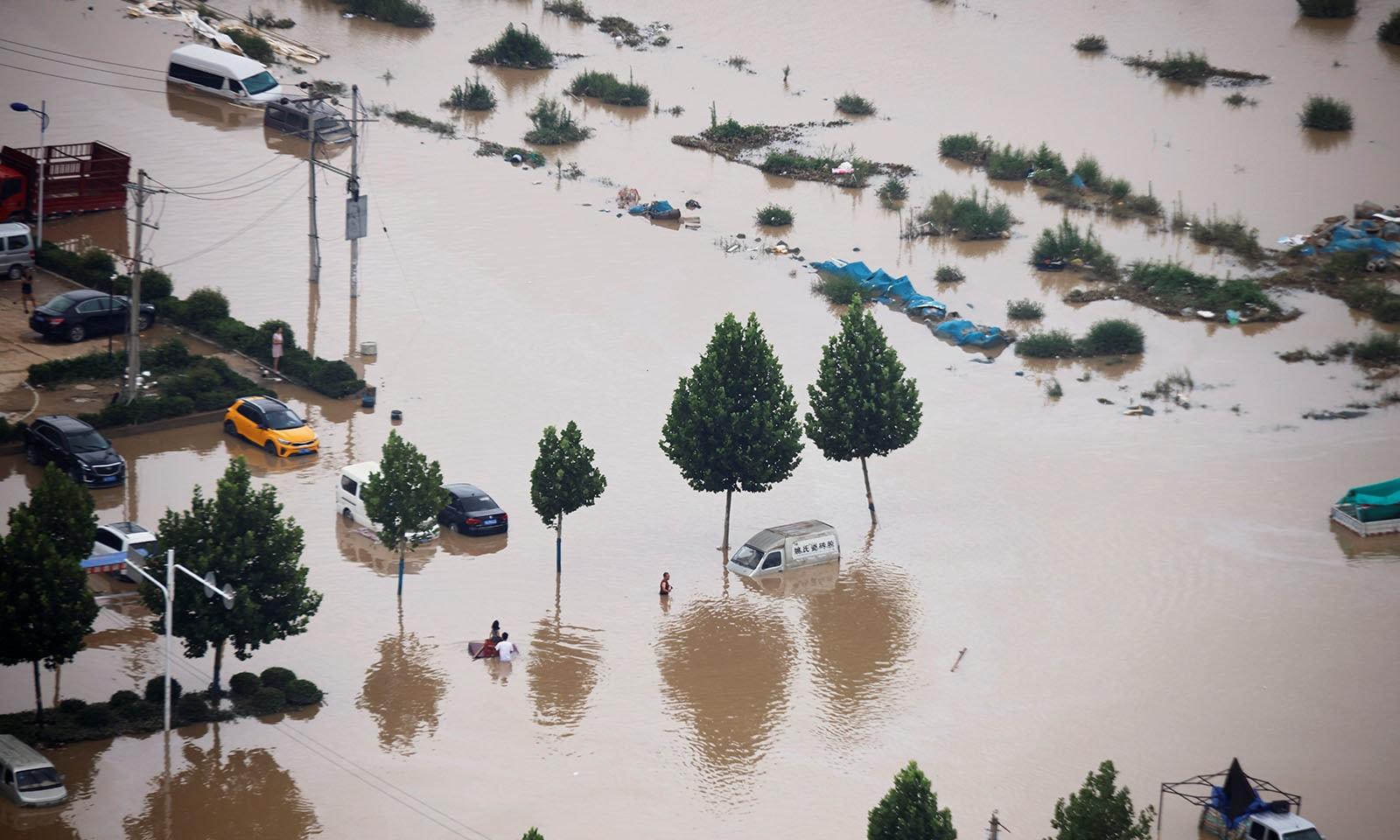 سیلاب کی صورتحال کا ایک فضائی منظر—تصویر: رائٹرز