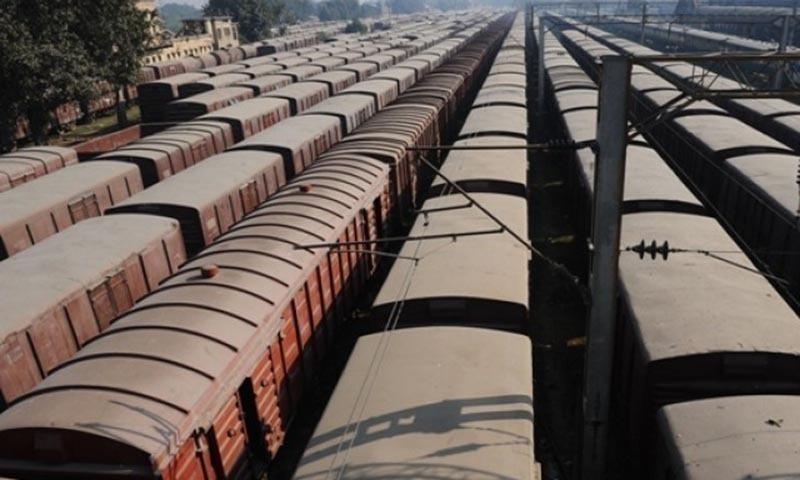 رپورٹ کے مطابق پاکستان ریلوے کے فریٹ حصے کا نہ کوئی بزنس پلان ہے نہ آپریشنل مینجمنٹ یا کارکردگی ہے — فائل فوٹو: اے ایف پی
