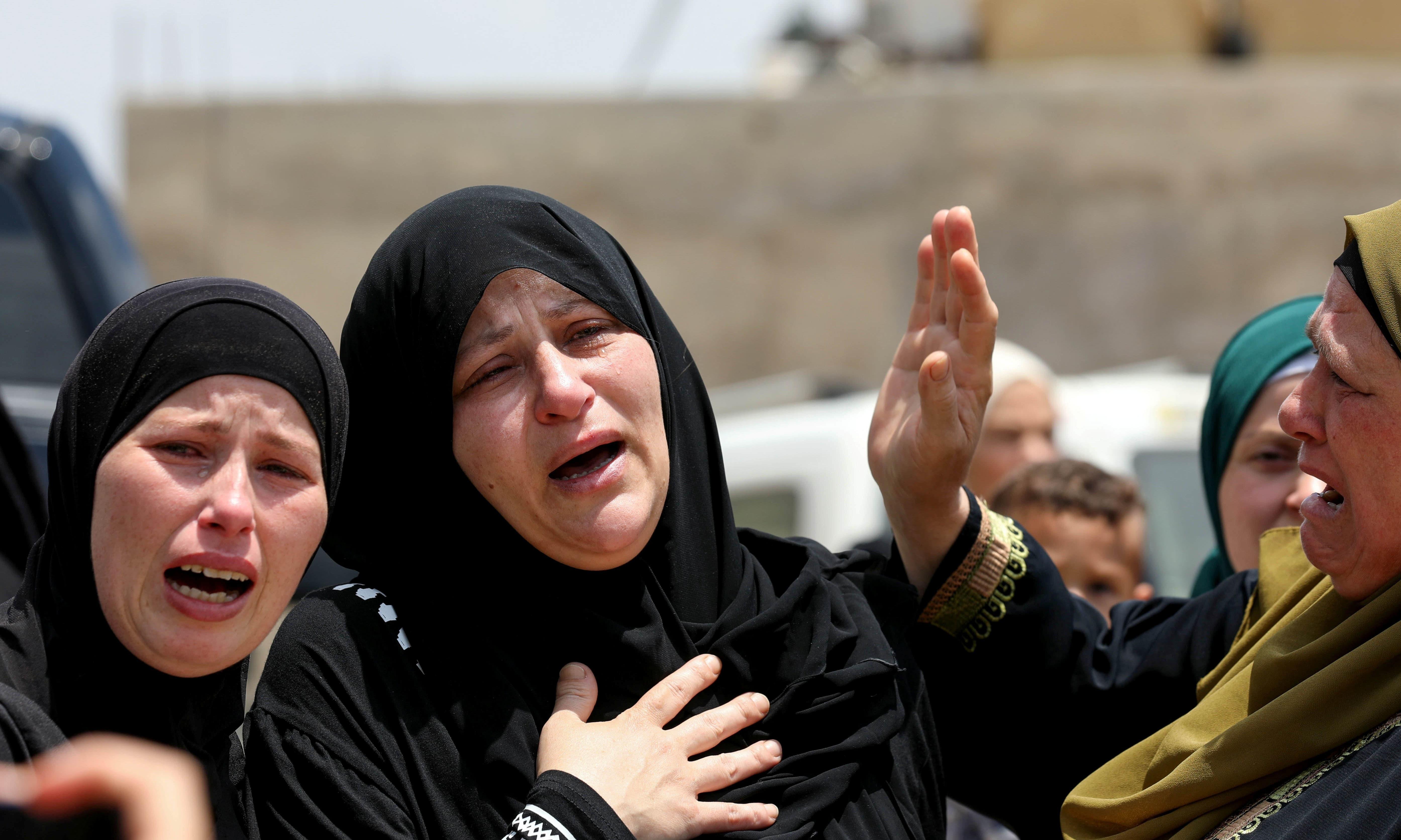 جھڑپوں کے دوران 320 فلسطینی زخمی ہوئے — فوٹو: رائٹرز