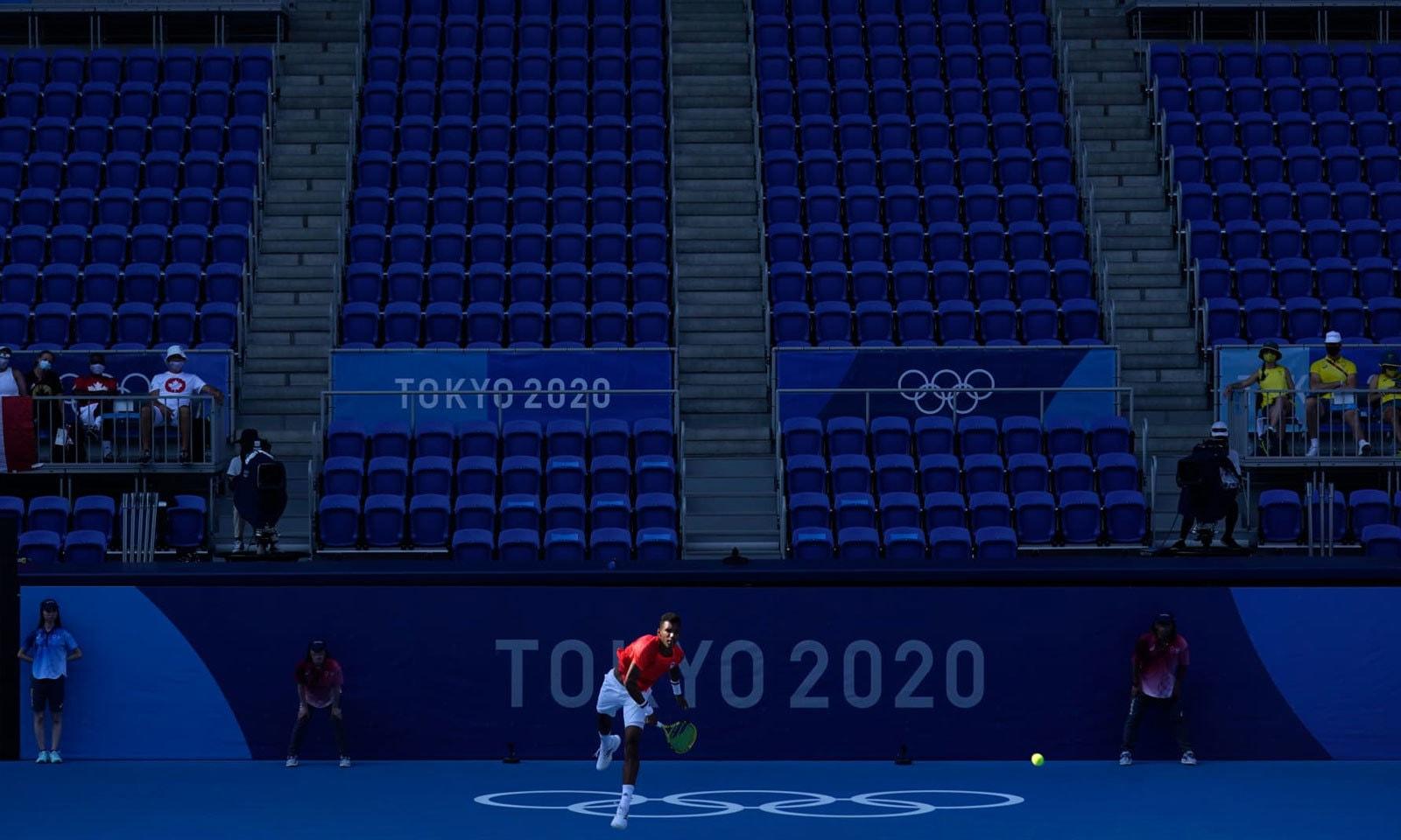 اولمپکس میں کینیڈا اور آسٹریلیا کے درمیان ٹینس مقابلہ ہوا—فوٹو: اے پی