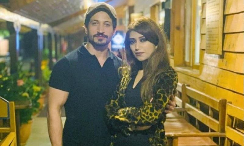 اداکار سلمان فیصل نے بیوی سے طلاق کی خبروں پر وضاحت دے دی