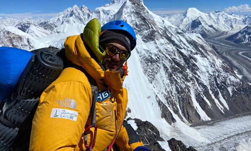 Shehroze Kashif now holds the double distinction of being the youngest Pakistani to have summitted both K2 and Mount Everest with bottled oxygen.— Photo via Twitter