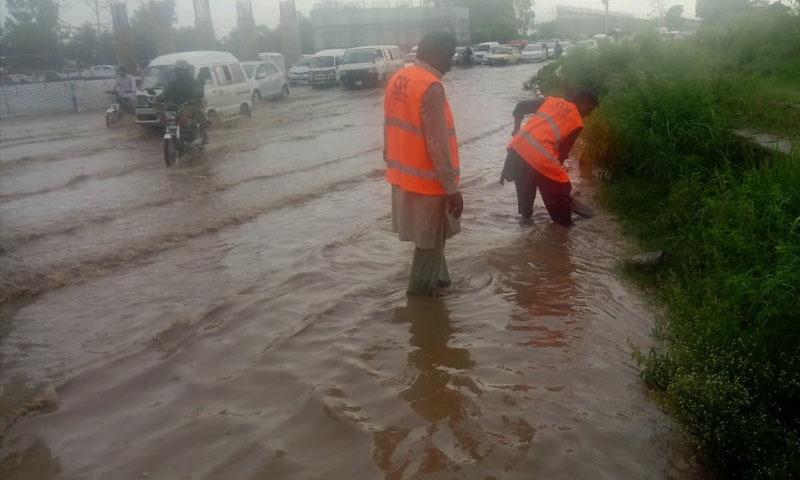 موسلادھار بارشوں سے اسلام آباد، راولپنڈی میں سیلابی صورتحال، 2 افراد جاں بحق
