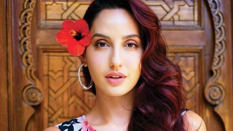 نورا فتیحی عرب ملک مراکش کی ہیں اور وہ متعدد فلموں میں آئٹم گانے کر چکی ہیں—فائل فوٹو: انسٹاگرام