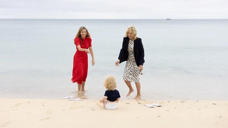 کیری سائمنڈ کے ہاں گزشتہ برس اپریل میں پہلے بچے کی پیدائش ہوئی تھی—فوٹو: کیری جانسن فلکر