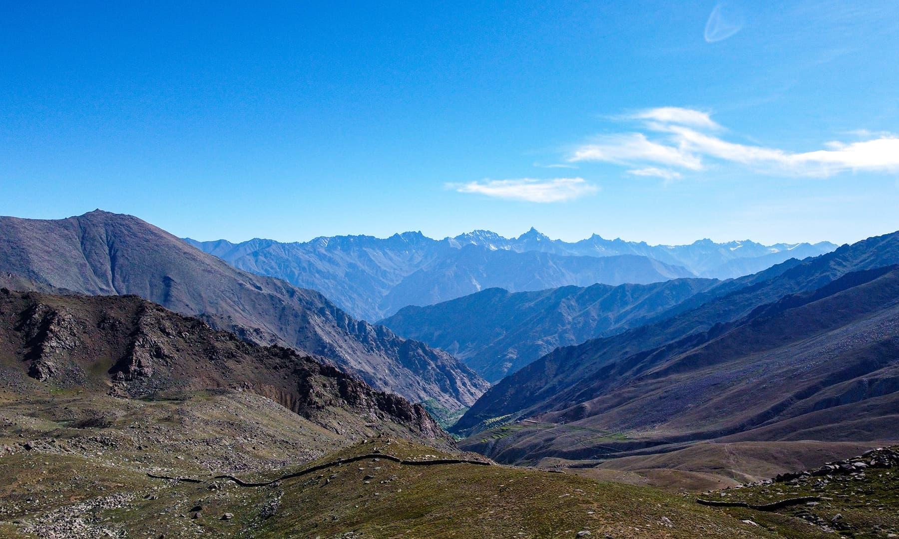 وادی اور قراقرم کے بلند و بالا پہاڑ