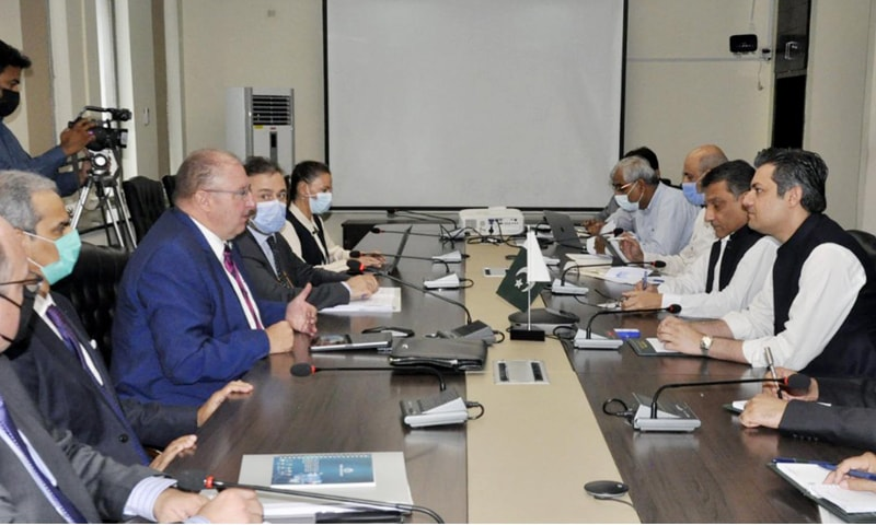 A visiting WB delegation – led by its vice president for South Asia Hartwig Schfer – holds a meeting with Minister for Energy Hammad Azhar. — Photo courtesy PID website