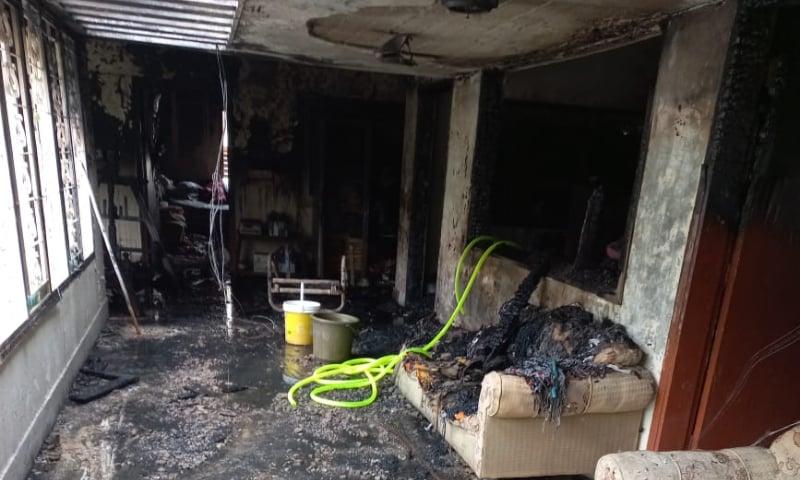 کراچی: محمد علی سوسائٹی کے مکان میں آتشزدگی، پروفیسر سمیت 5 افراد جاں بحق