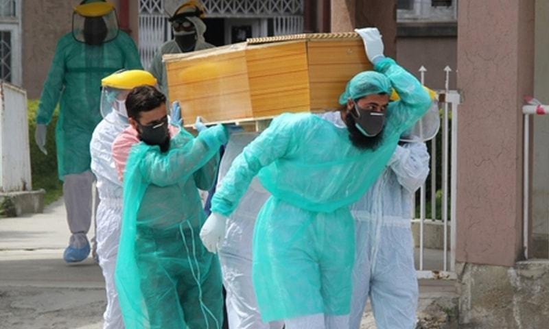 پاکستان میں کورونا سے مئی کے بعد پہلی مرتبہ ایک روز میں 100 سے زائد اموات