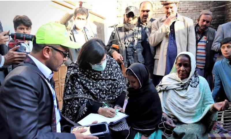 SAPM Dr Sania Nishtar inspects Ehsaas survey near Dera Ismail Khan. — PASS website