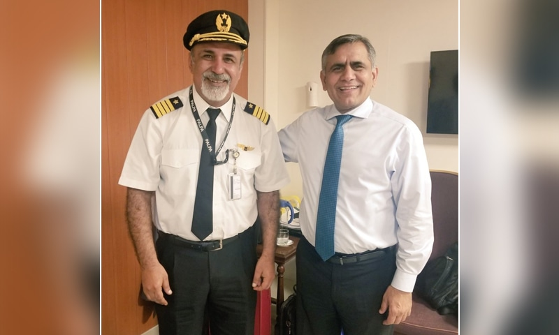 A photo of Pakistan International Airlines Chief Executive Officer Arshad Malik (R) and Captain Maqsood Bajrani (L). — Photo courtesy PIA Twitter