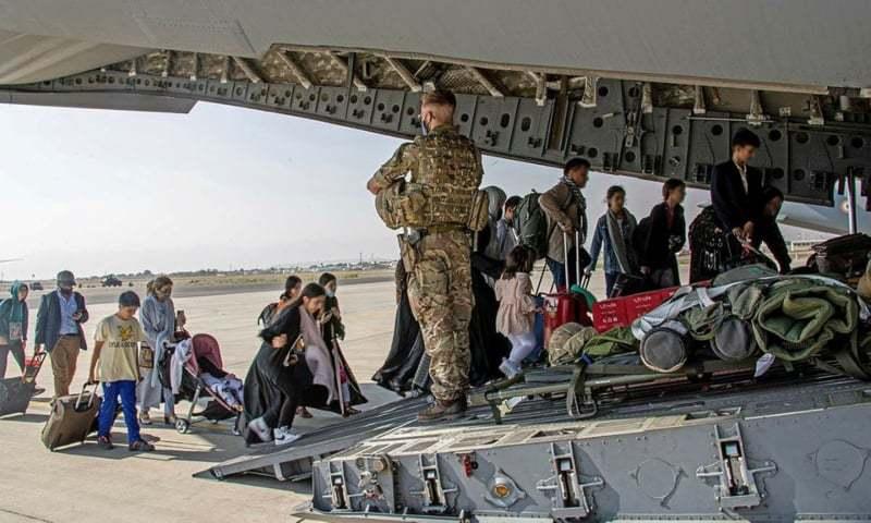 افغانستان سے لوگوں کے انخلا میں تیزی