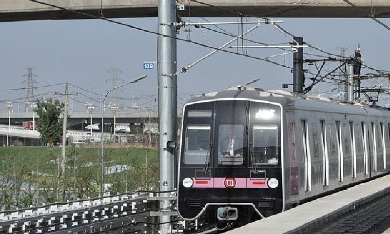 چین کا شہری ریل ٹرانزٹ سسٹم دنیا کا سب سے بڑا ٹرین کا نظام ہے—کری ایٹو کامنز