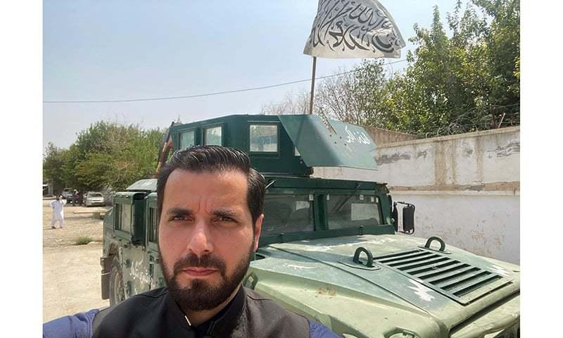 ڈان نیوز کے نمائندے عادل شاہزیب افغانستان میں ہیں—فوٹو: ڈان نیوز