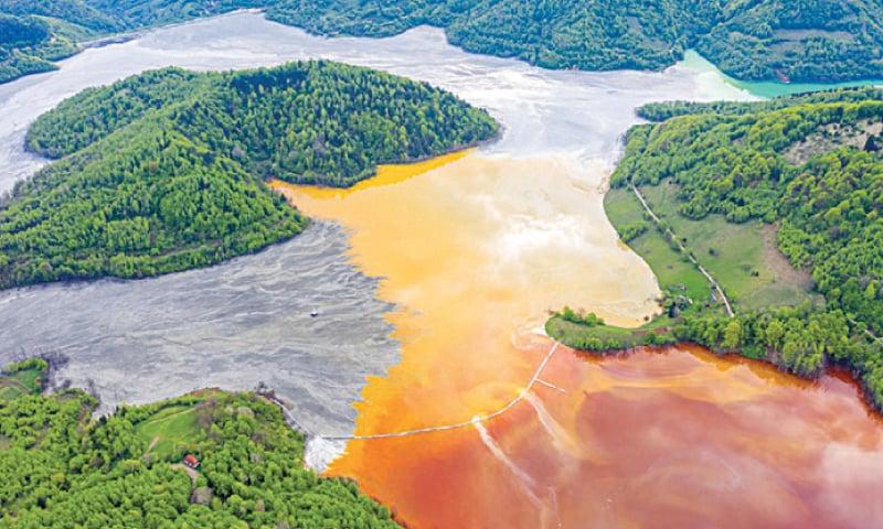 Cyanide spill, Ghana (2001)