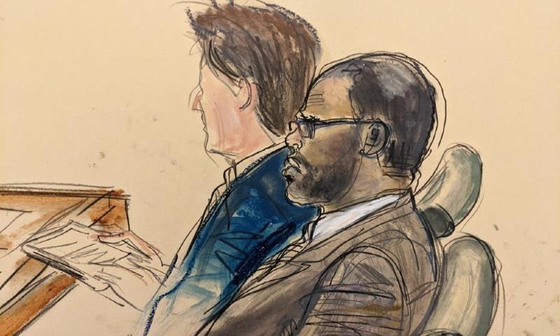 آر کیلی کے خلاف تیسری متاثرہ خاتون عدالت میں پیش