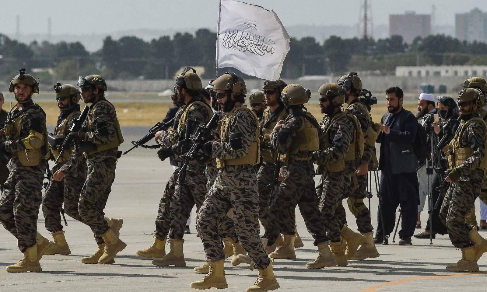 طالبان بدری اسپیشل فورس نے 31 اگست کو کابل ایئرپورٹ کا کنٹرول سنبھال لیا — فوٹو: اے ایف پی