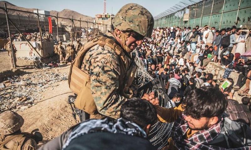 اقوامِ متحدہ کے مطابق 12 برسوں میں ایک لاکھ 11 ہزار سے زائد افغان شہری جنگ میں ہلاک ہوئے—تصویر: رائٹرز