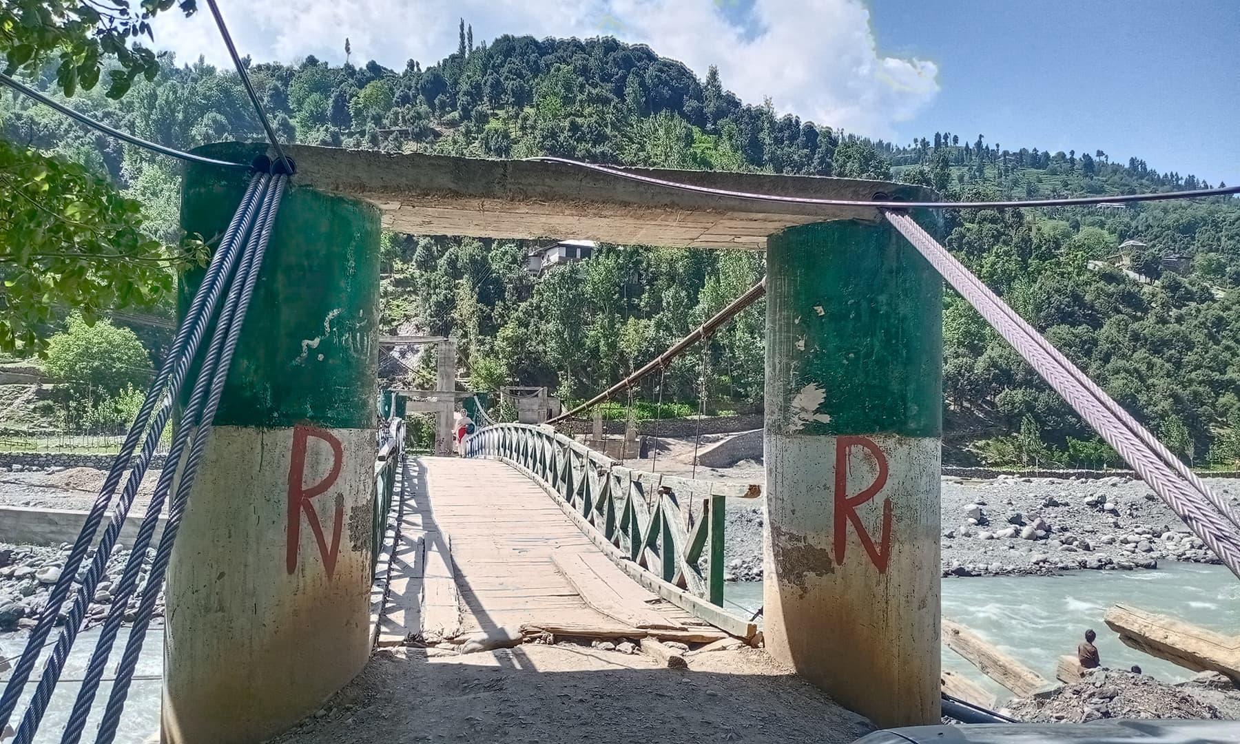 دریائے پنجکوڑہ پر بنا پل—عظمت اکبر