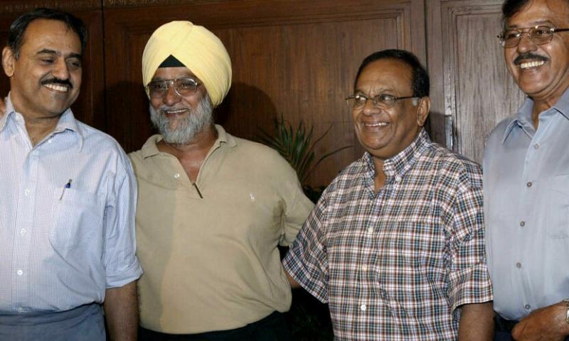 Bhagwat Chandrasekhar (far L), pictured with fellow India spin greats Bishan Bedi, Erapalli Prasanna and Srinivasaraghavan Venkataraghavan in this file photo. — AFP