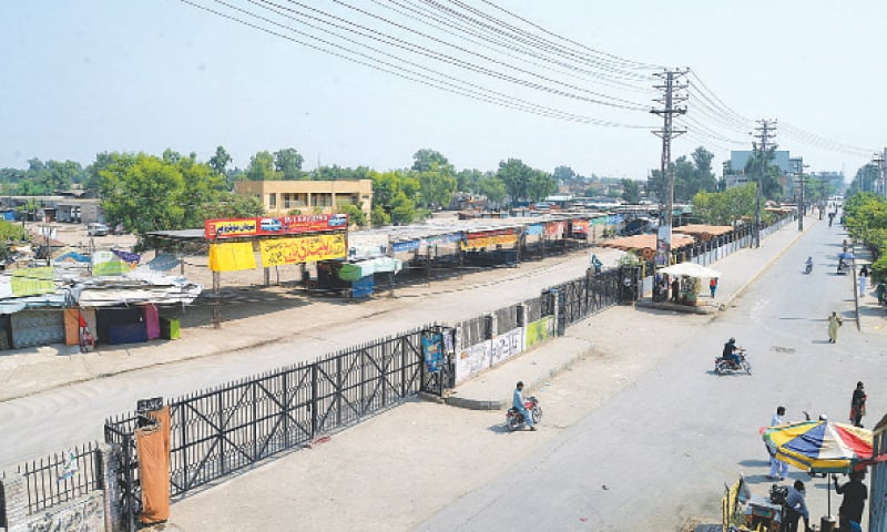Peshawar: The main terminal for inter-city buses wears a deserted look on Saturday during a smart lockdown imposed by the provincial government to control the spread of Covid-19. — White Star