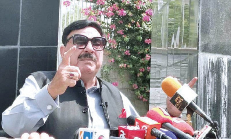 Interior Minister Sheikh Rashid Ahmed addresses a presser at Torkham border on Sunday. — APP