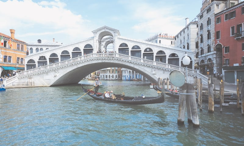 PICTURE shows the iconic Rialto Bridge in Venice, which was officially unveiled on Tuesday after completion of the restoration work started in 2012.—Reuters