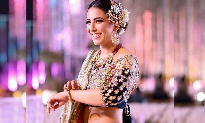 اشنا شاہ کے آنے والے گانے کی تصاویر پر مداح برہم