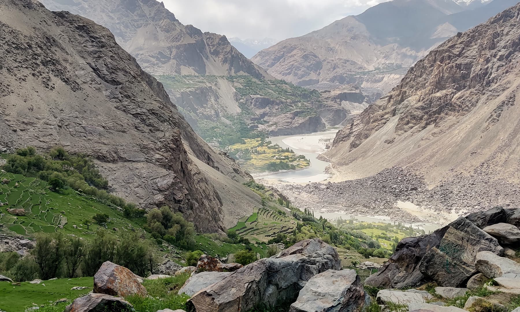 خرفق گاؤں میں عموماً آلو کی فصل کاشت کی جاتی ہے