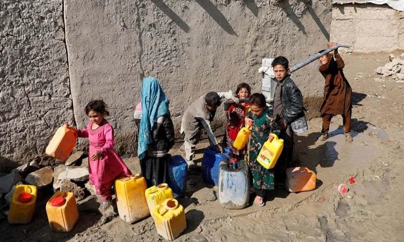 اقوام متحدہ کے عہدیداروں اور امدادی گروپس نے خبردار کیا ہے کہ خشک سالی، نقدی اور خوراک کی کمی کی وجہ سے یہ تعداد بڑھ رہی ہے۔ - فائل فوٹو:رائٹرز