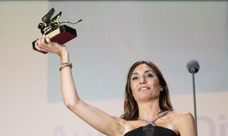فیسٹیول کا سب سے بڑا گولڈن لیون ایوارڈ فرانسیسی خاتون فلم ساز کی فلم نے جیتا—فوٹو: اے پی