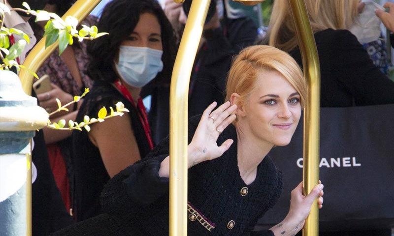فیسٹیول میں ہولی وڈ اداکار کرسٹین اسٹیورٹ کی فلم 'اسپینسر' بھی دکھائی گئی—فوٹو: اے پی