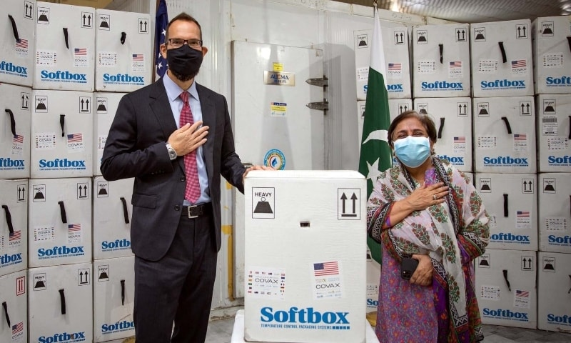 US Consul General Mark Stroh  handed over 320,580 new Pfizer vaccine doses to Sindh Minister of Health and Population Welfare Dr Azra Fazal Pechuho on Monday. — PPI