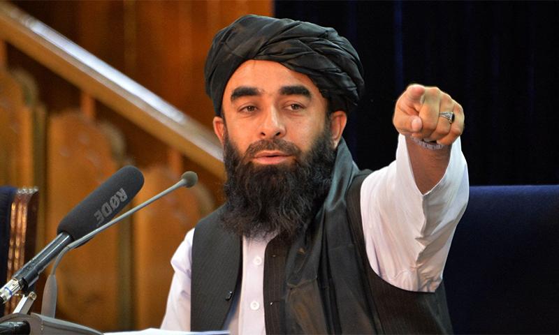 طالبان ترجمان ذبیح اللہ مجاہد سمیت اہم عہدیداروں نے اختلافات کی خبروں کی تردید کی ہے— فائل فوٹو: اے ایف پی