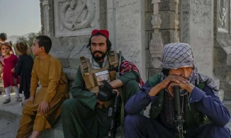 After years of fighting in the countryside, some Taliban fighters got their first visit to the Kabul Zoo on Sep 17. — AFP